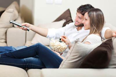 pareja_sofa