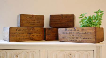 Ideas para decorar con cajas recicladas el blog de due - Decorar con cajas de vino de madera ...