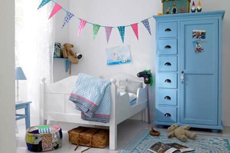 con o sin banderines tambin puedes decorar la habitacin de tu beb con letras de madera las opciones tambin son muy variadas las hay pintadas y sin
