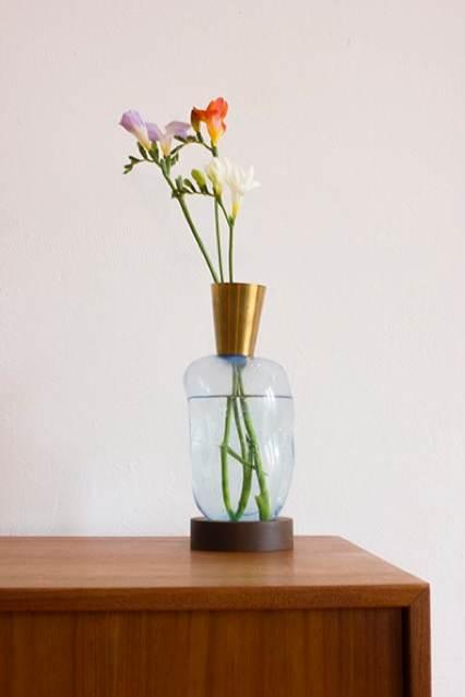 BLOW-vase-brass