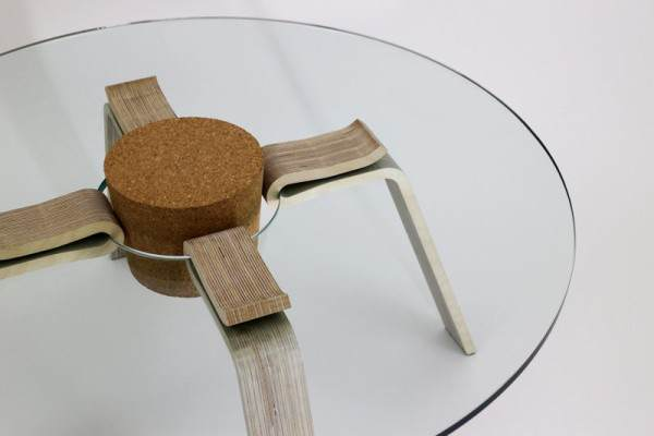 Table-with-Giant-Cork-Stopper-to-Hold-the-Legs-600x400