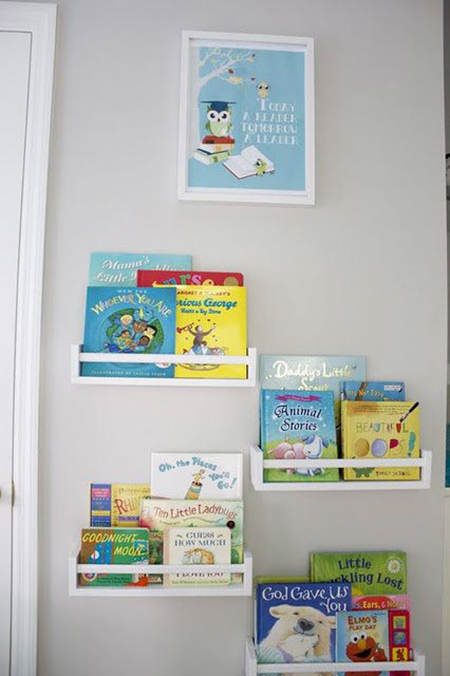 Trucos de almacenaje para habitaciones infantiles el - Estanteria pared infantil ...