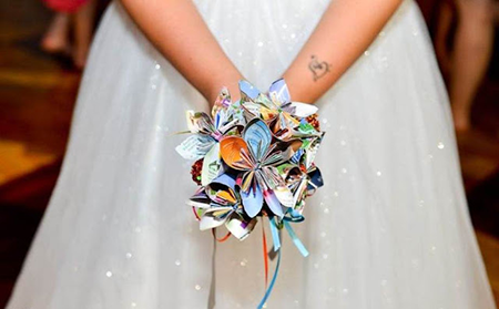 disney-wedding-park-map-bouquet