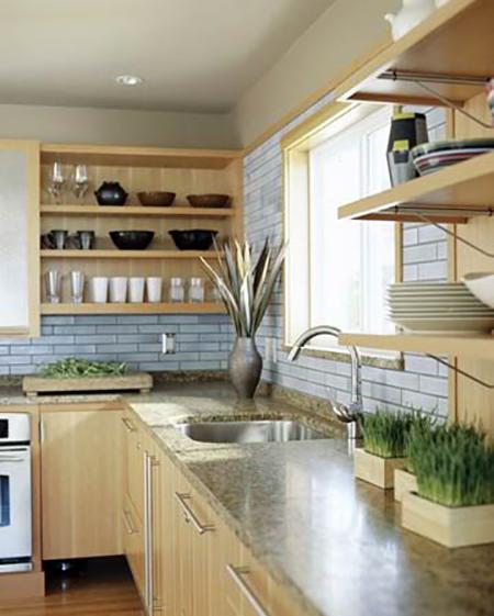 Es tendencia en decoraci n cocinas con estantes abiertos for Estanterias cocinas pequenas