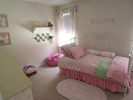 2c9cb57dd5da0c6f3ec896ab189c1ea1 879bb6b4db1122c31ee0f78f464ecbf1 Dormitorio  Color Púrpura 500x375 Habitacion Chica Adolescente Simple Color Rosa