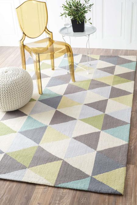 decorar-con-triangulos-alfombra